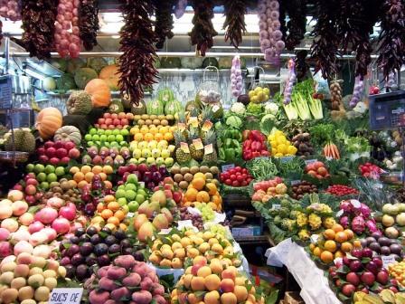 Deliciosas frutas en el Mercado de la Boquería de Barcelona