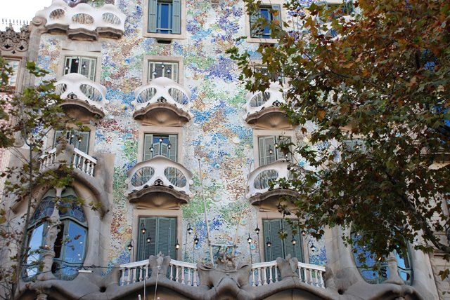 Detalles ornamentales de la fachada de la Casa Batlló