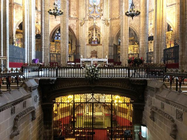 El Altar Mayor de la Catedral de Barcelona en el Barrio Gótico
