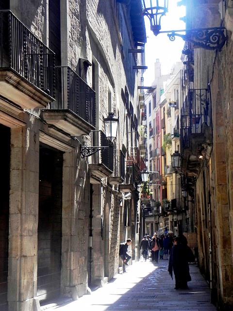 Estrechas calles en el Born de Barcelona