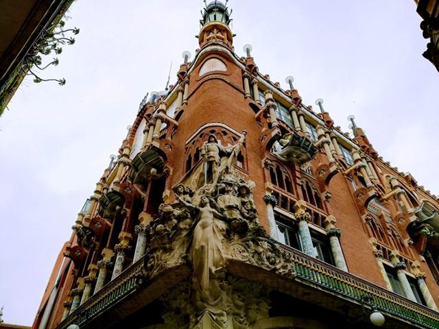 Fachada modernista del Palau de la Música Catalana en Barcelona