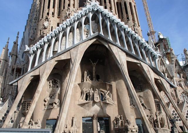 Fachada de la Pasión de la Sagrada Familia de Gaudí