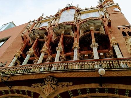 Fachada frontal del Palau de la Música en Barcelona