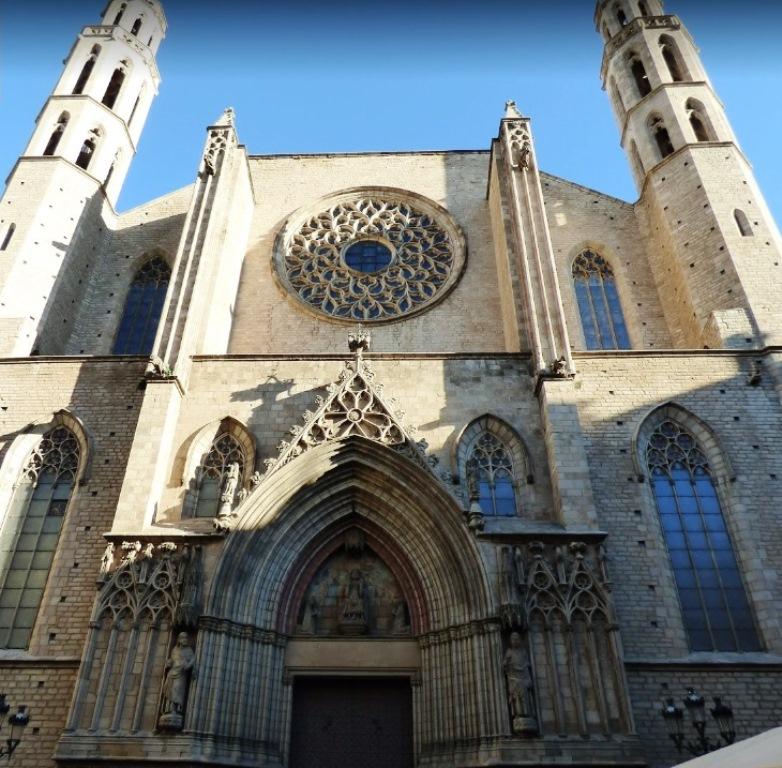 La Catedral del Mar en la Ribera de barcelona