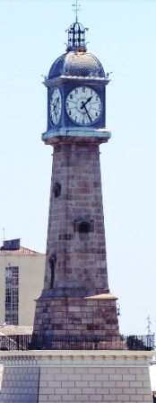 La Torre del Réloj en la Barceloneta