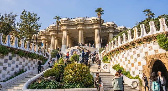 La escalinata que conduce a la Sala Hipóstila del park Güell
