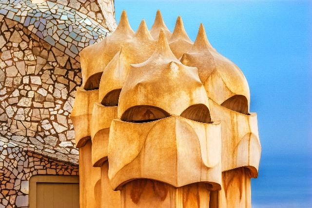 Las espectaculares chimeneas de la azotea de La Pedrera de Gaudí
