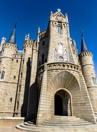 Palacio Episcopal de Gaudí, en Astorga (León)