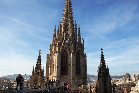 Terraza accesible de la Catedral de Barcelona en el Barrio Gótico