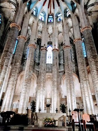 Altar Mayor de la Basílica de Santa María del Mar en Barcelona