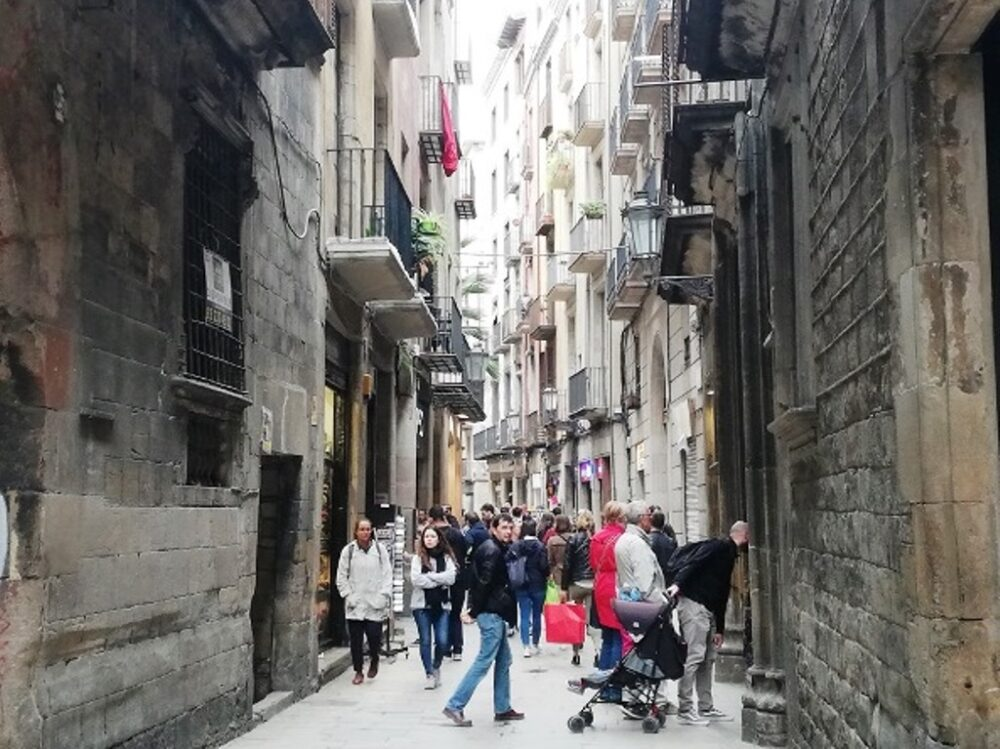 Calle estrecha del Born de Barcelona