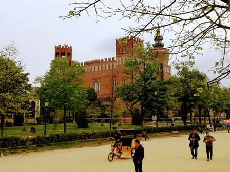 Castillo de los 3 dragones, alberga el Museo de Zoología de Barcelona