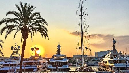 Yates de lujo en el Port Olimpic de Barcelona