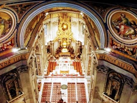 Altar de Bernini en San Pedro del Vaticano