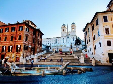 La gran Escalinata de la Plaza de España en Roma
