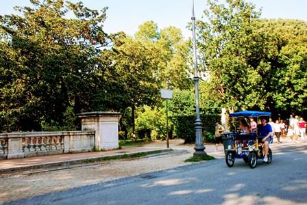 Bicis familiares para recorrer el Parque de Villa Borghese