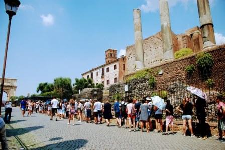 Colas para entrar al Foro Romano y al Palatino