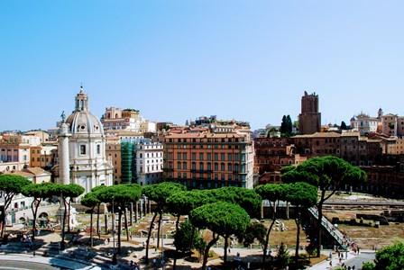 Columna de Trajano y Mercado de Trajano junto al Vittoriano