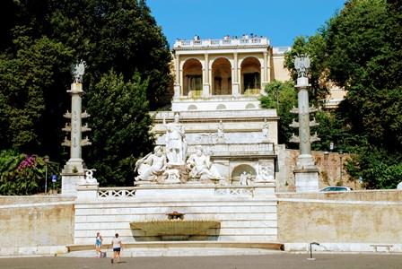 Fuente de la Diosa de Roma bajo el Mirador de Pincio
