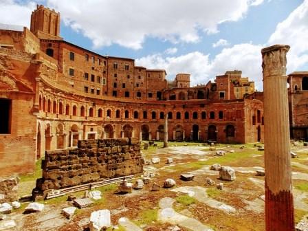 Mercado de Trajano, pegado al Foro de Trajano