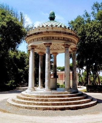 Templo de Diana en el Parque de Villa Borghese