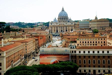 Vistas del Vaticano, con la Basílica de San Pedro como protagonista desde el Castillo de Sant´Angelo