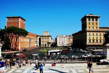 Vistas gratuitas desde el Vittoriano de la Piazza Venezia