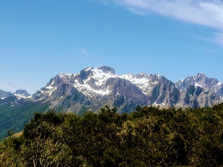 ¡Nieve en los Picos de Europa en junio!