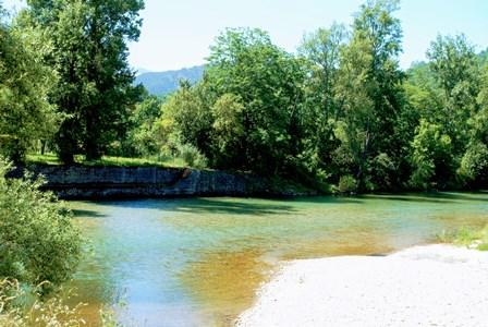 Bañito, en el parque al lado de la oficina de turismo de Cangas de Onís