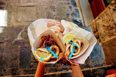 Deliciosos cucuruchos de calamares en Manarola