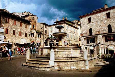 El precioso pueblo medieval de Assisi