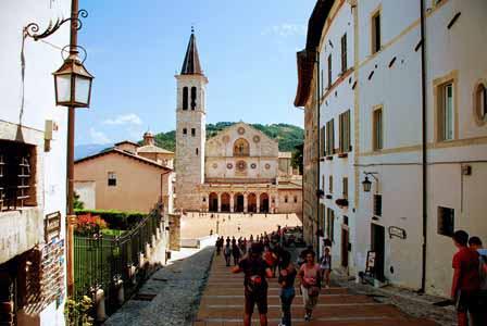Precioso Duomo de Spoleto en Umbría