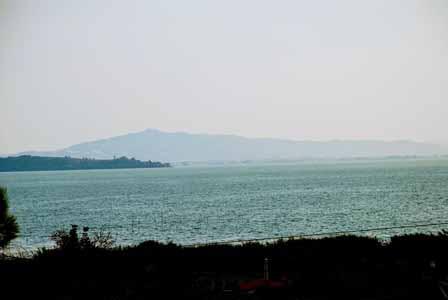 Vistas del Lago Trasimeno desde nuestro hotel
