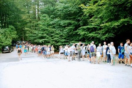 Enorme cola para visitar los Lagos de Plitvice sin reserva (Croacia)