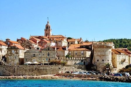 Korcula, una preciosa ciudad medieval en una isla (Croacia)