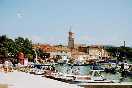 Panorámica de la ciudad de Krk (Croacia)