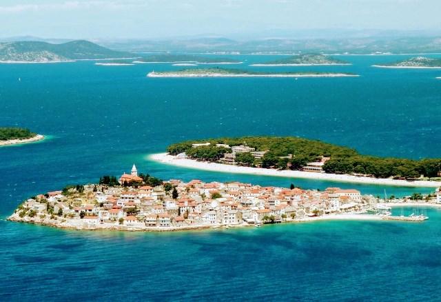 Panorámica de la península de Primosten (Croacia)