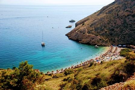 Playas paradisiacas en Stara Baska (Isla de Krk, Croacia)
