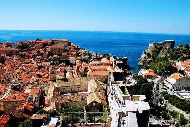 Recorriendo las colosales murallas de Dubrovnik