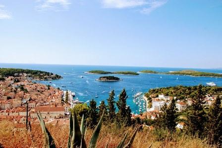 Vistas de Hvar y las islas Pakleni desde la ciudadela (Croacia)