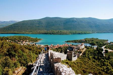 Vistas de Mali Ston desde la muralla (Croacia)