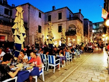 Cena final en Dubrovnik en el restaurante Kamenice