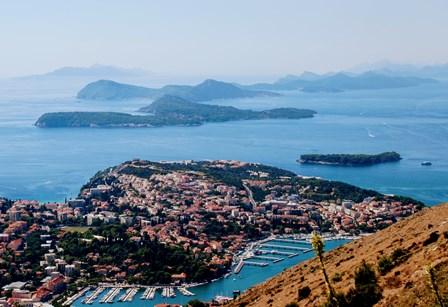 Vistas de las islas Elaphiti desde la terraza de la Fortaleza Imperial
