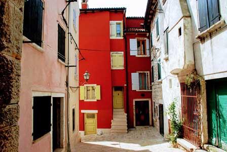 Coloristas casas en Rovinj (Croacia)