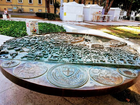 Maqueta y fuente de Pula (Croacia)
