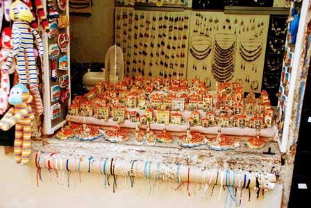 Preciosas tiendas de artesanía en Rovinj (Croacia)