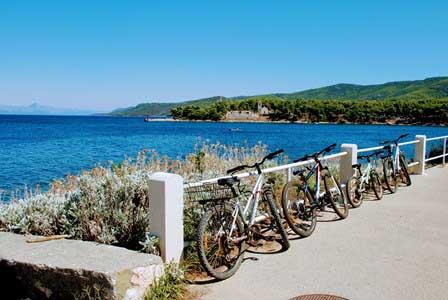 Agradable paseo en bici entre Vrboska y Jelsa (Isla de Hvar)