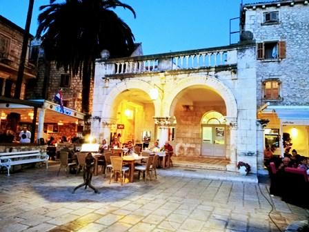 Lujosos restaurantes en Hvar, qué ver (Croacia)