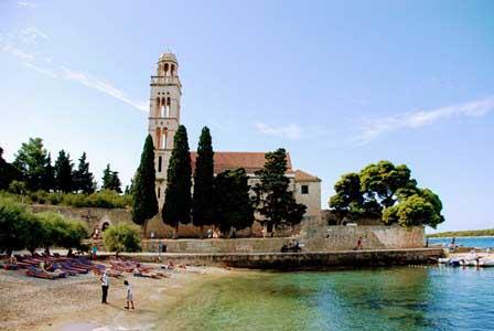 Plyas en la Isla de Hvar (Croacia)