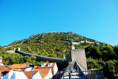 Recorriendo la enorme muralla de Ston (Croacia)
